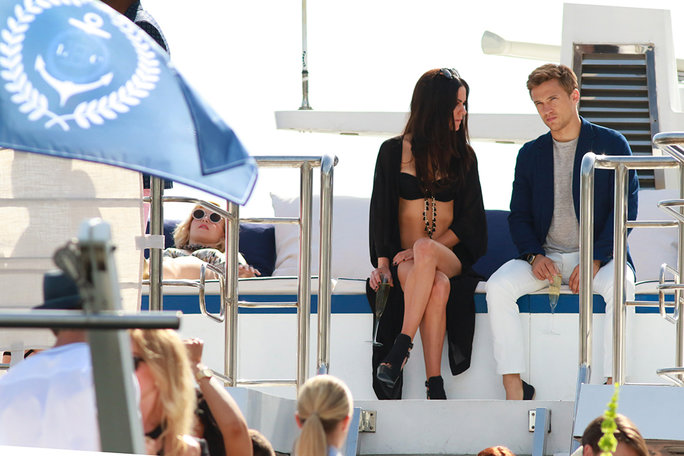 <em>The Royals</em> Recap: They're on a Boat! All About the Fashion on Last Night's Episode