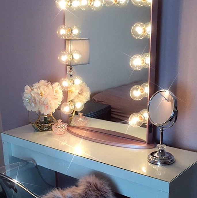 6 Lighting Options to Help You Apply Makeup Like a Pro