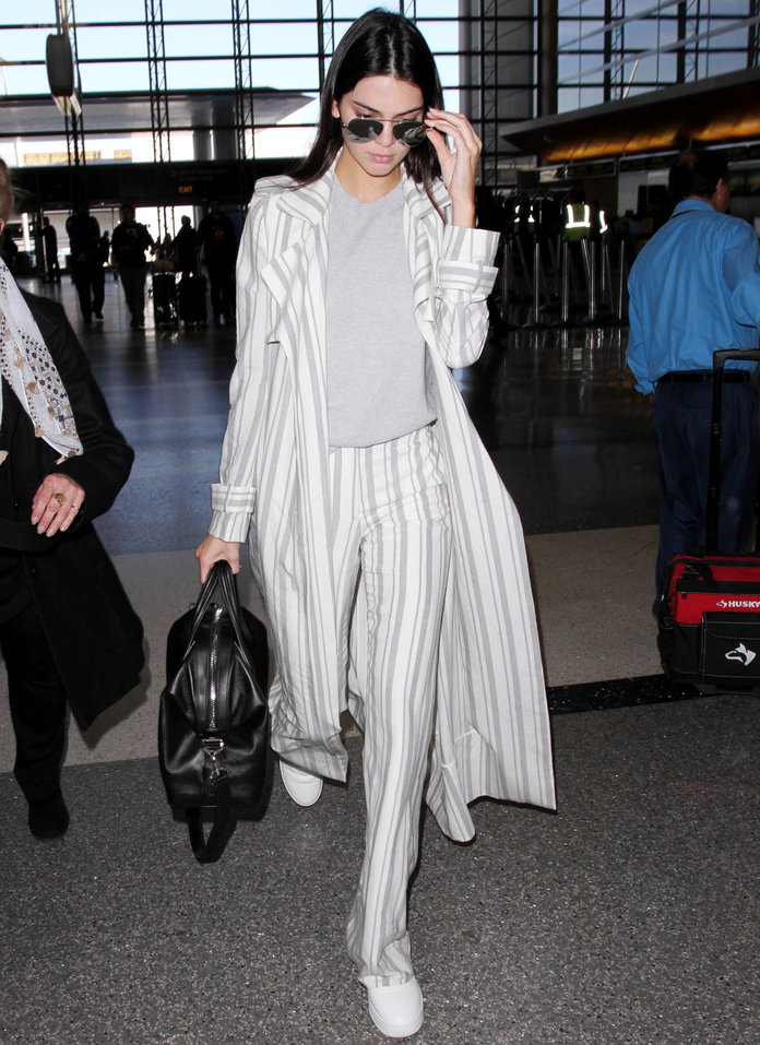 Kendall Jenner's Travel Ensemble Offers a Lesson in Slouch Tailoring