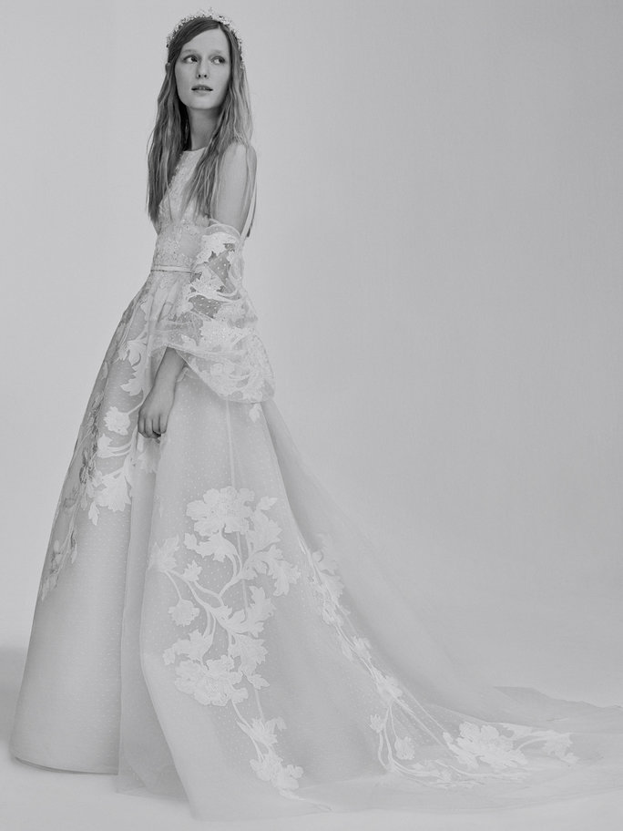 This Video of Elie Saab's Wedding Dresses Is Mesmerizing