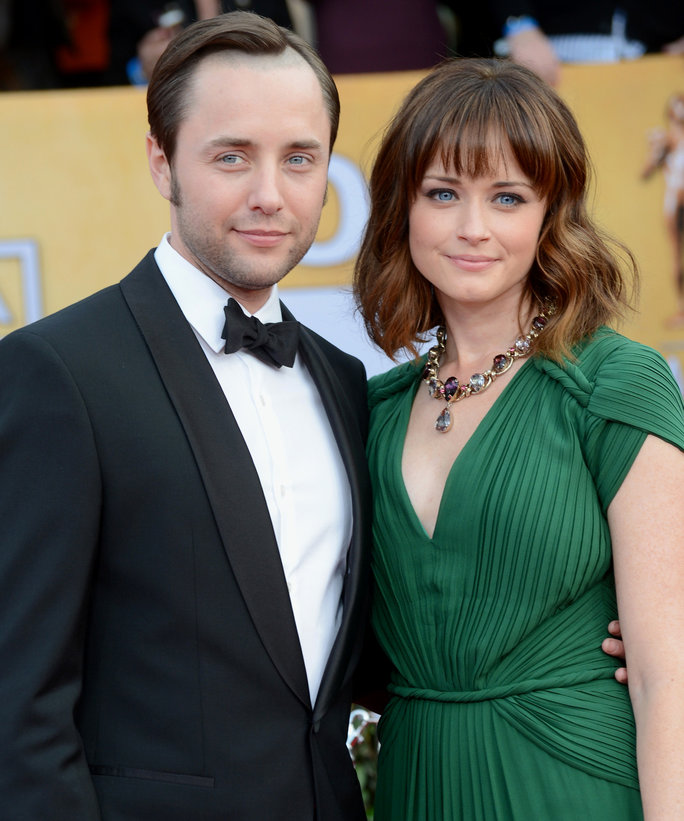 Alexis Bledel & Vincent Kartheiser Sell Brooklyn Apt - LEAD