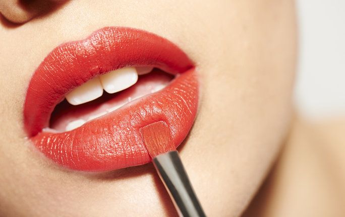 Here's the Proper Way to DeclutteraBloated Lipstick Collection