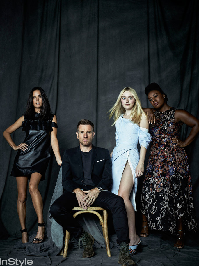 <p>The Cast of American Pastoral</p>