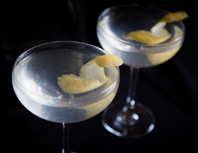 A 4-Ingredient Cocktail Recipe That'll Get the Party Started