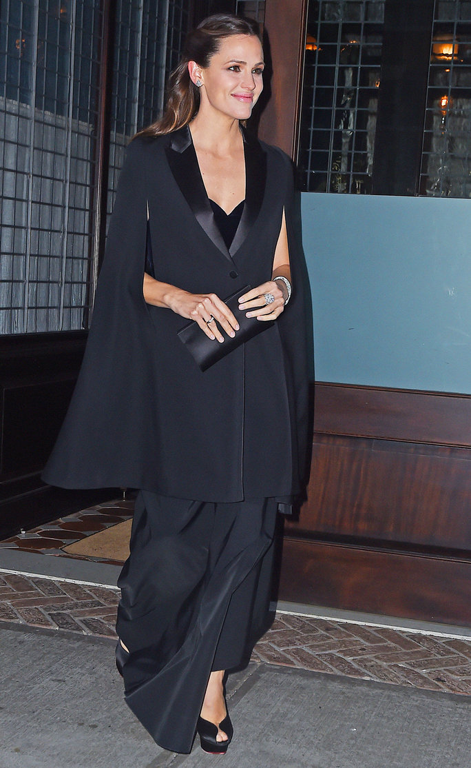 Jennifer Garner heads out in a cape dress in Tribeca, NYC