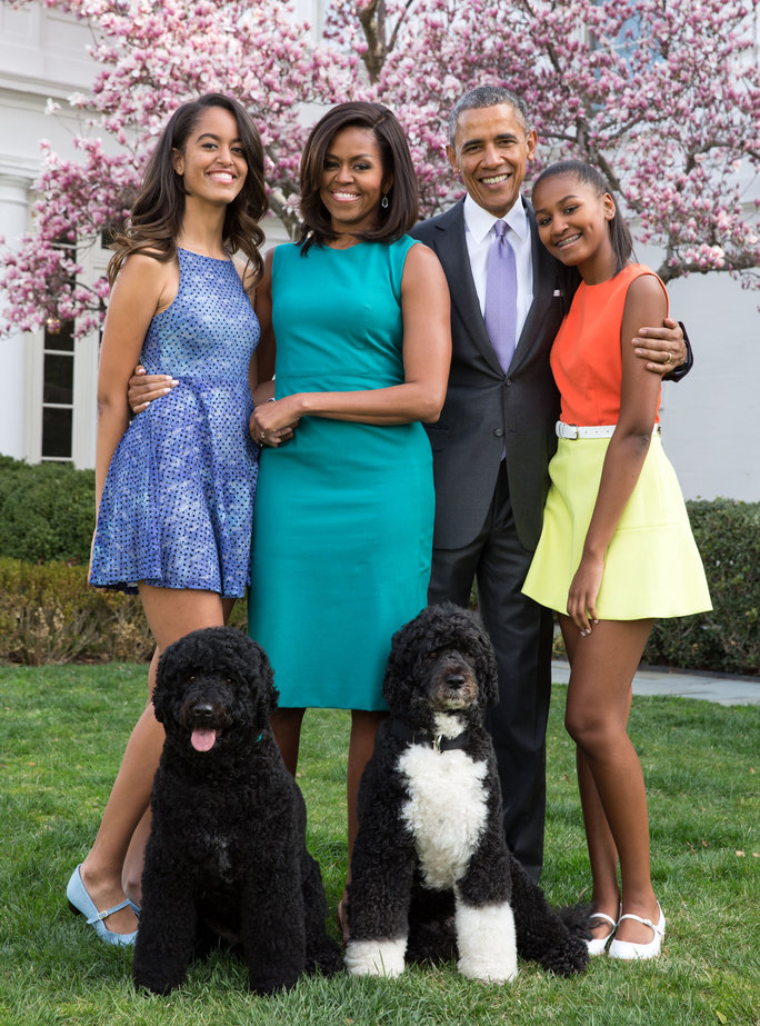 See the Obama Family\'s Final White House Holiday Card | InStyle.com