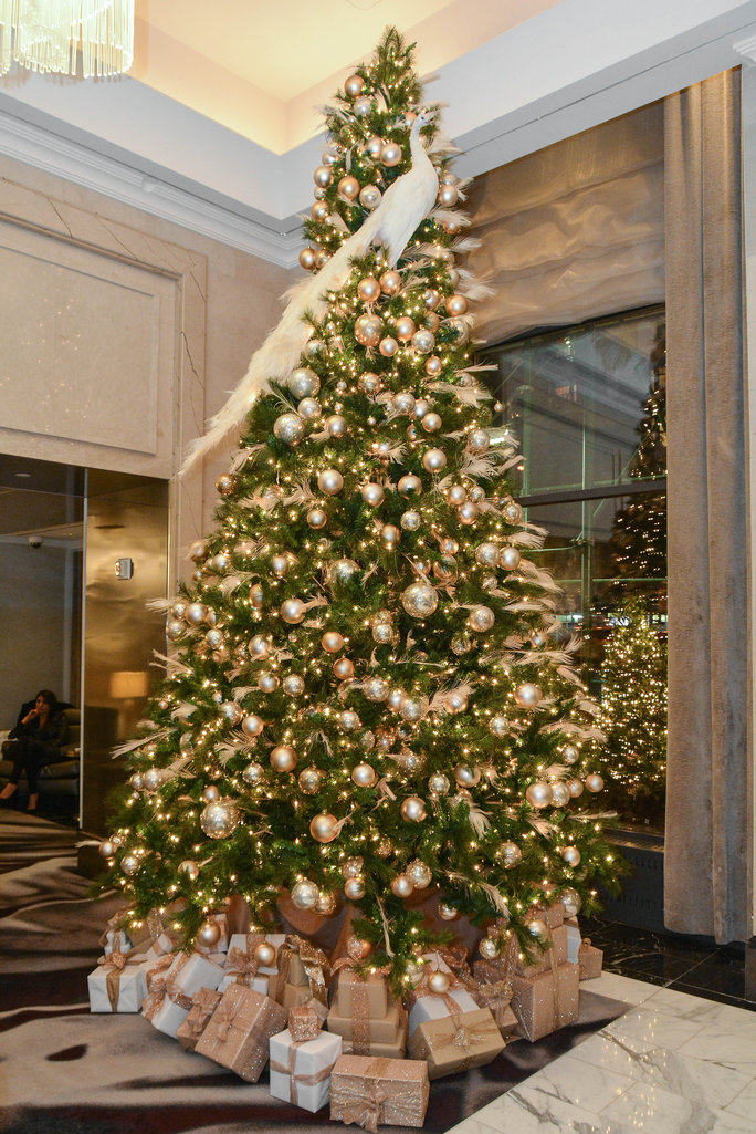 Nate Berkus Christmas Tree - Slide 3