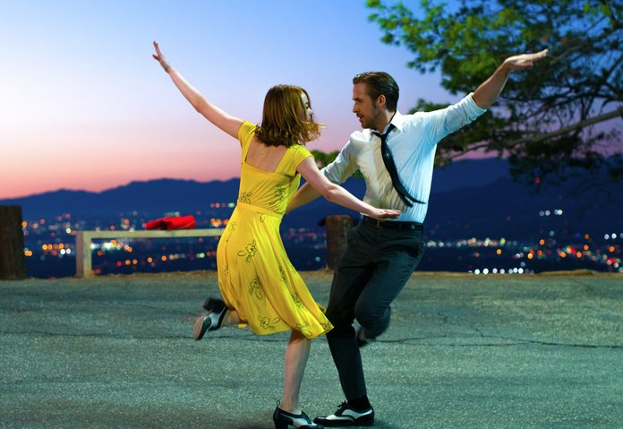 Watch a Bunch of Performers Dance on the Side of a Building for <em>La La Land</em> Day