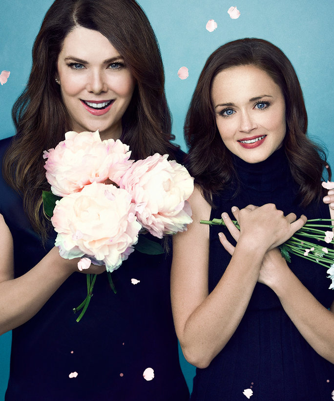 Here's <em>Exactly </em>What's Inside Rory and Lorelai Gilmore's Makeup Bags