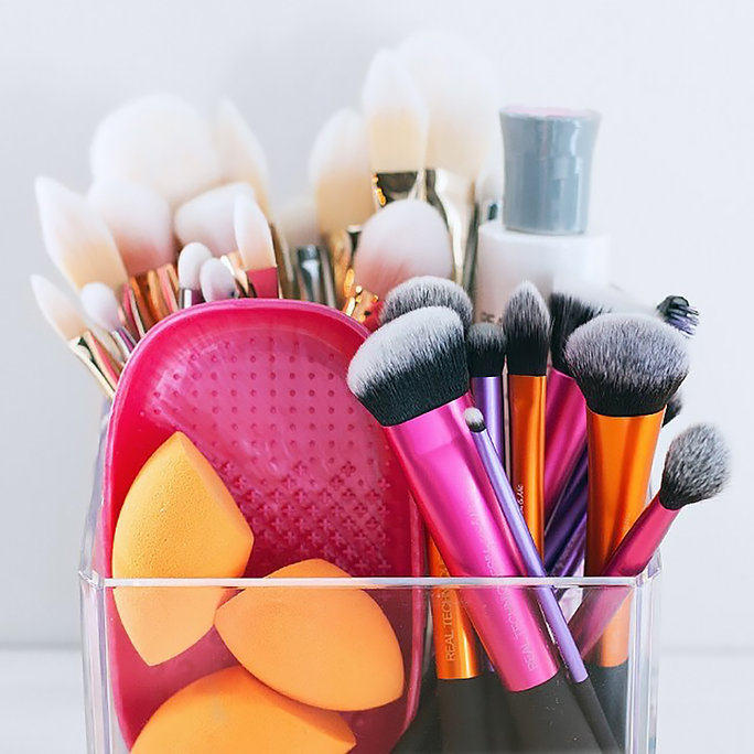 How to Make 2017 the Year You Actually Clean Your Makeup Brushes