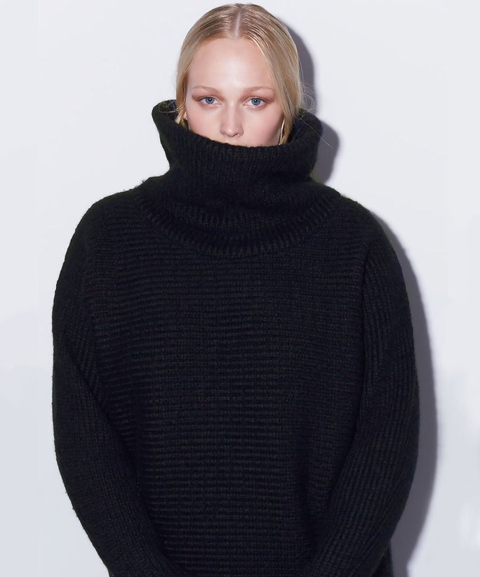 10 Cozy Sweaters for Complementing Your Curves