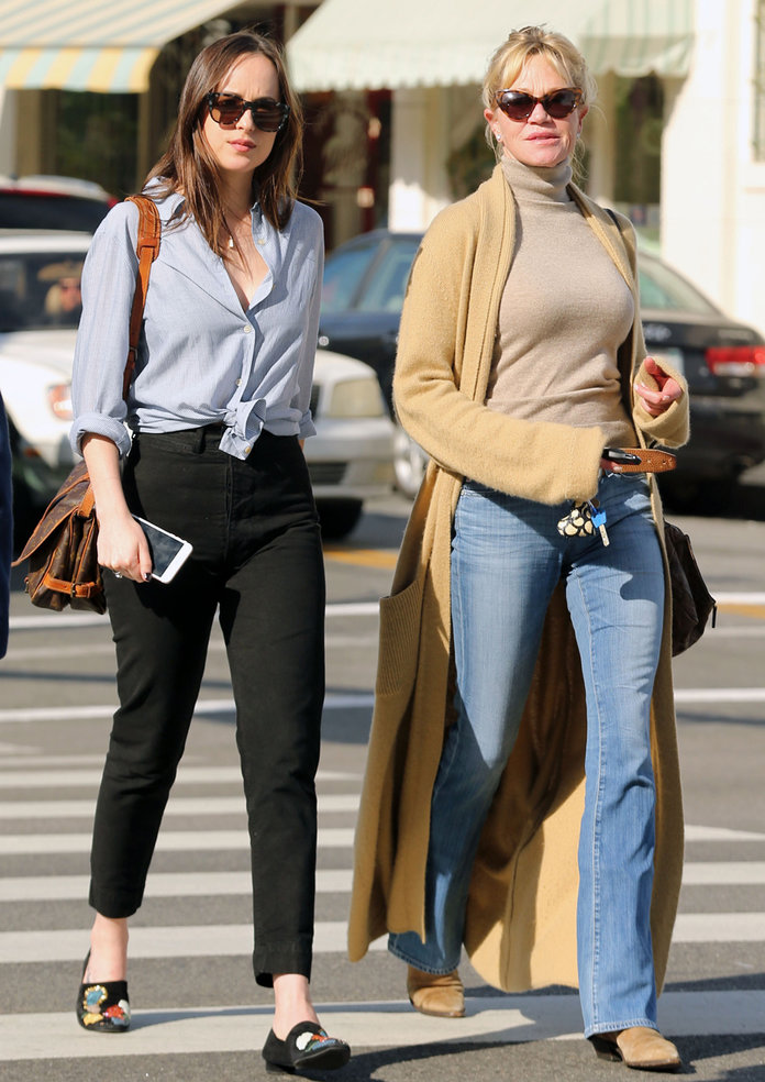 Dakota Johnson Meets Up With Melanie Griffith For A Mother