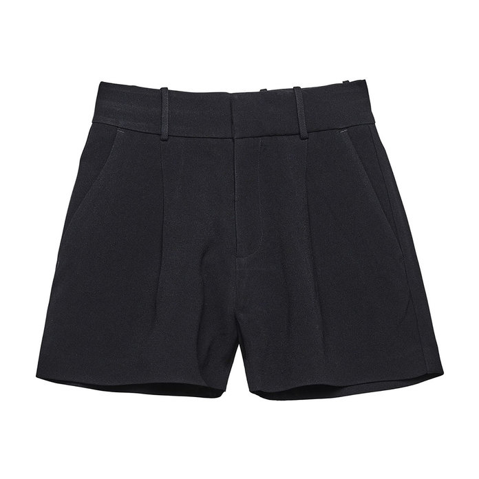 <p>Toteme Durum Shorts</p>