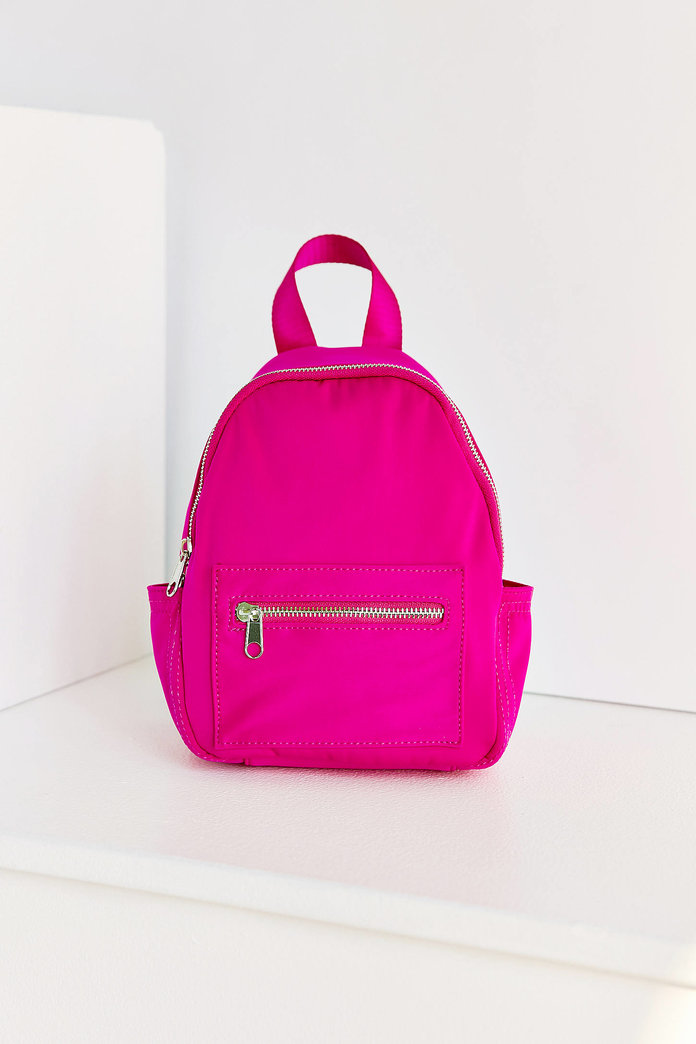 <p>HOT PINK BACKPACK</p>
