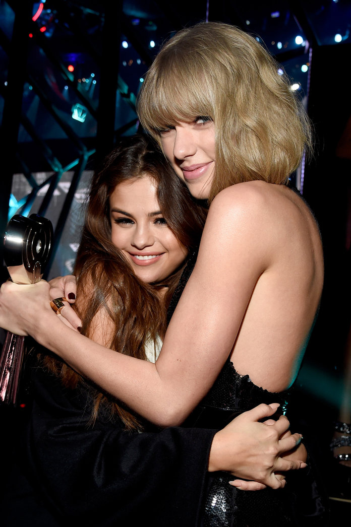 Taylor Swift Is Featured in Selena Gomez's New Music Video, But You Probably Missed It
