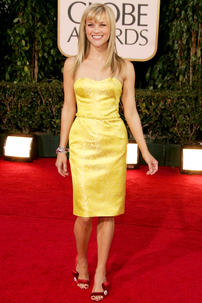 <p>Reese Witherspoon at the Golden Globes in L.A. (2007)</p>