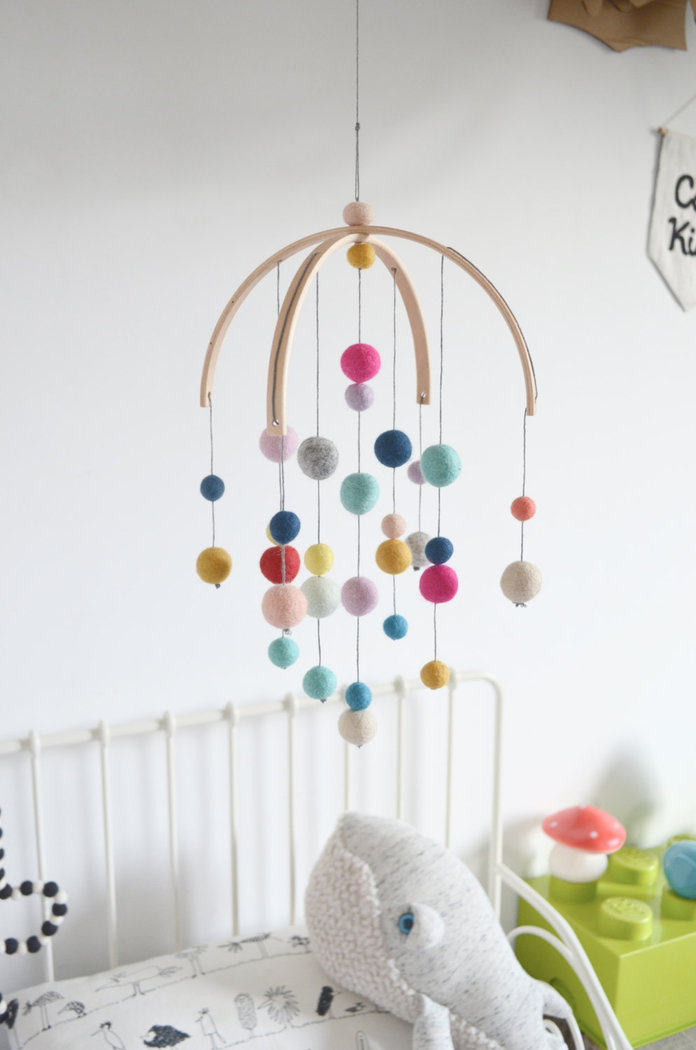 9 beautiful handmade baby mobiles