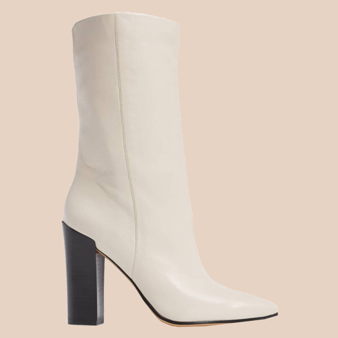 <p>Ethan Pointy Toe Bootie</p>