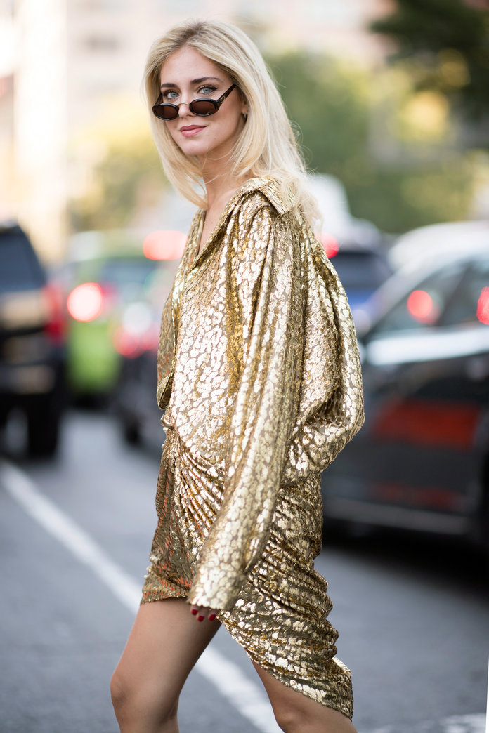 <p>ALL THAT'S GOLD GLITTERS</p>