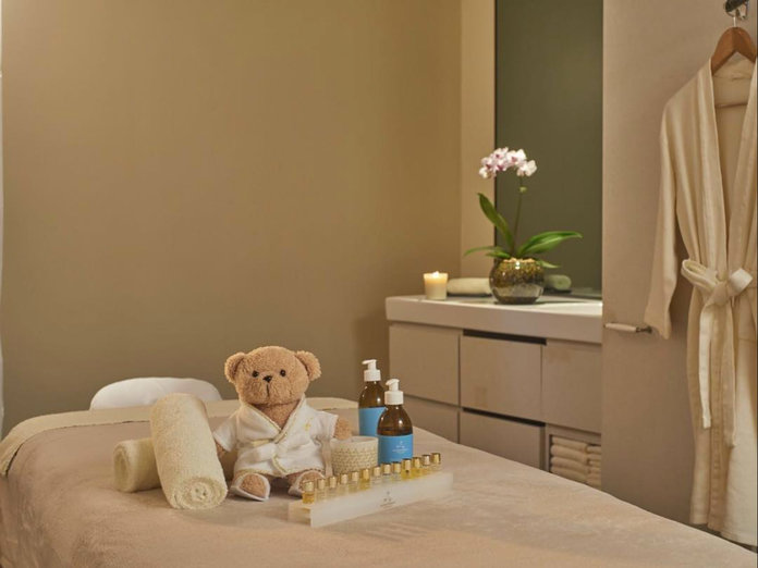 """<p><a href=""""http://fullertonhotels.com/the-fullerton-hotel/spa.html"""" target=""""_blank"""">Asian Heritage Signature treatment at the Fullerton Spa</a></p>"""