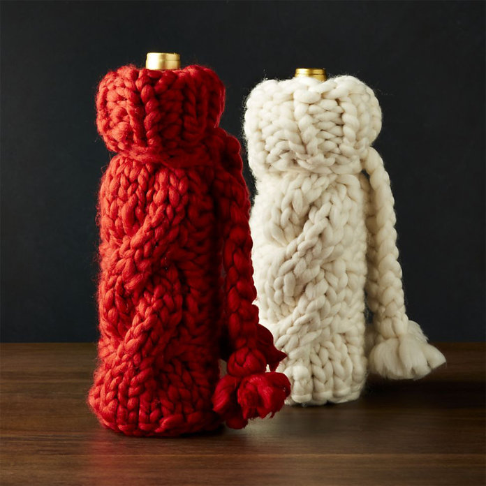 <p>COZY KNIT WINE BAG</p>