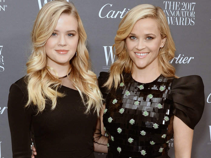 Reese Witherspoon and Ava Phillippe Take Their Twinning Streak tothe <em>WSJ</em> Innovator Awards