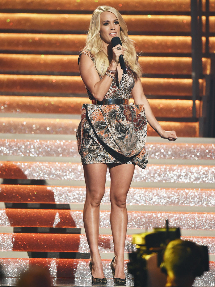 <p>Carrie Underwood in Structural Mini </p>