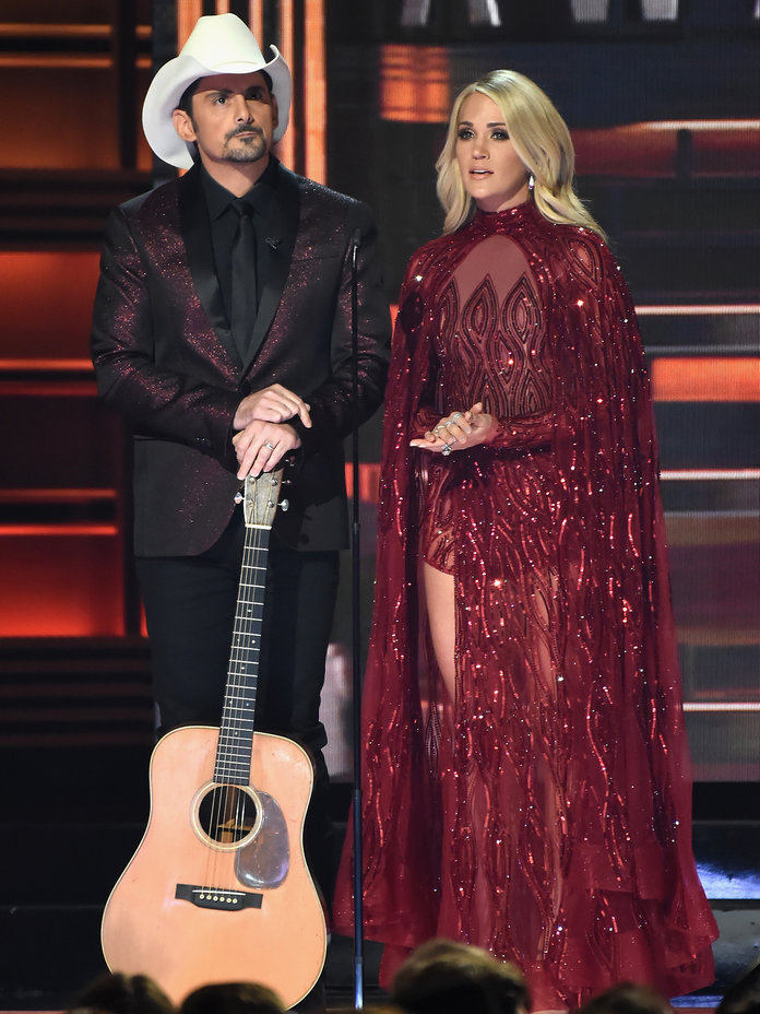 <p>Carrie Underwood in Sparkling Red Gown</p>