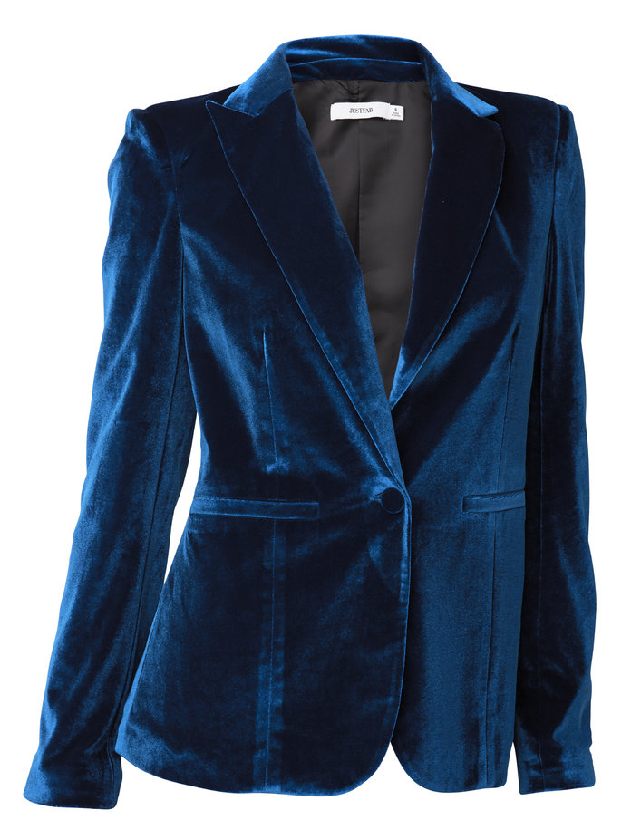 <p>The blazer that will always make you look pulled together by JustFab</p>