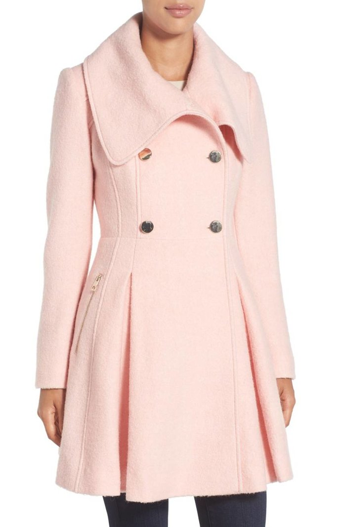 <p>Envelope Collar Double Breasted Coat</p>