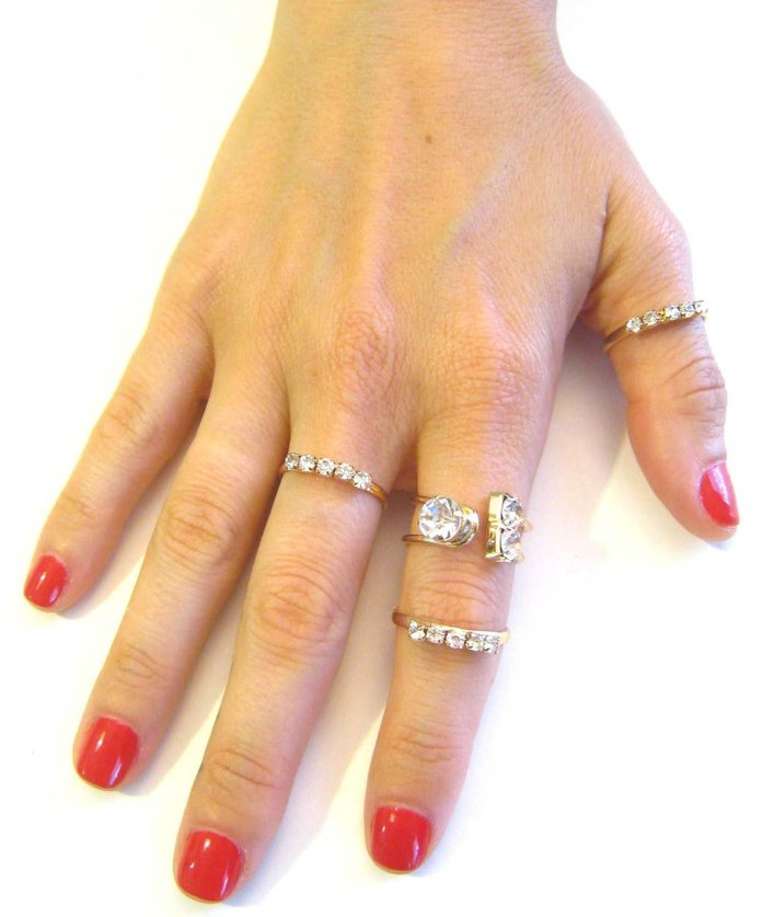 <p>Ring Set by NY2You</p>