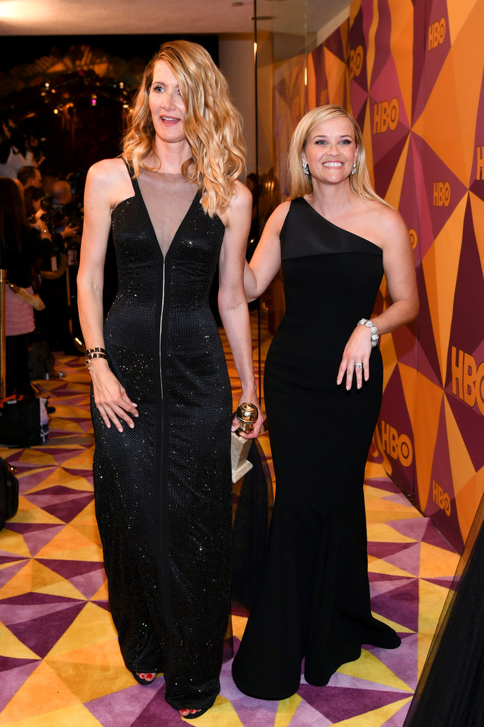 <p>Laura Dern and Reese Witherspoon</p>