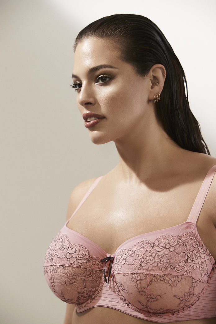 <p>The Fatal Attraction Unlined Underwire Bra</p>