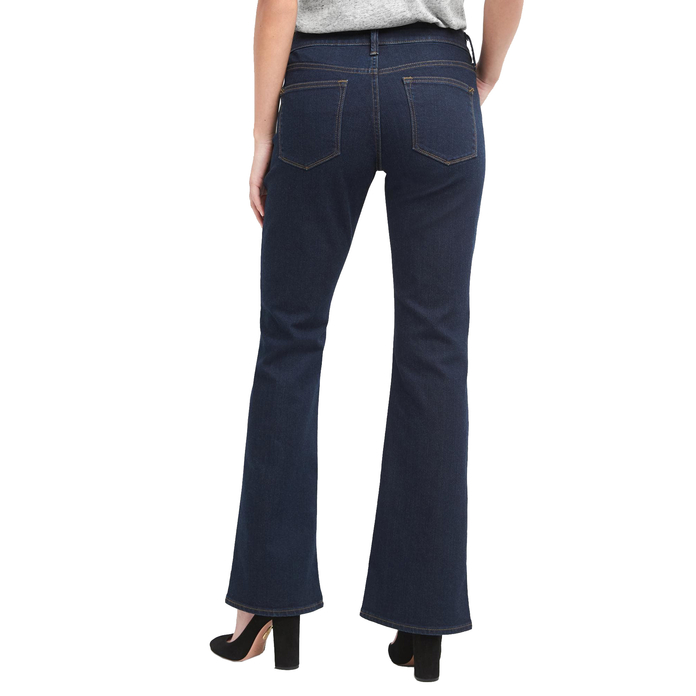 <p>Gap Mid-Rise Long & Lean</p>