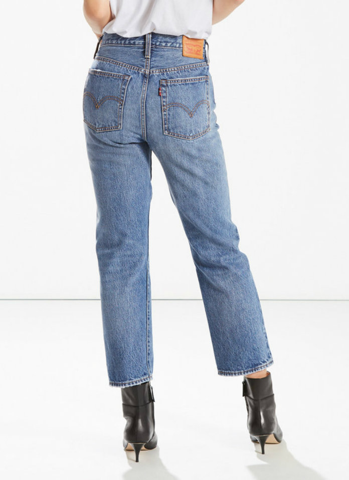<p>LEVI'S WEDGIE FIT STRAIGHT LEG</p>