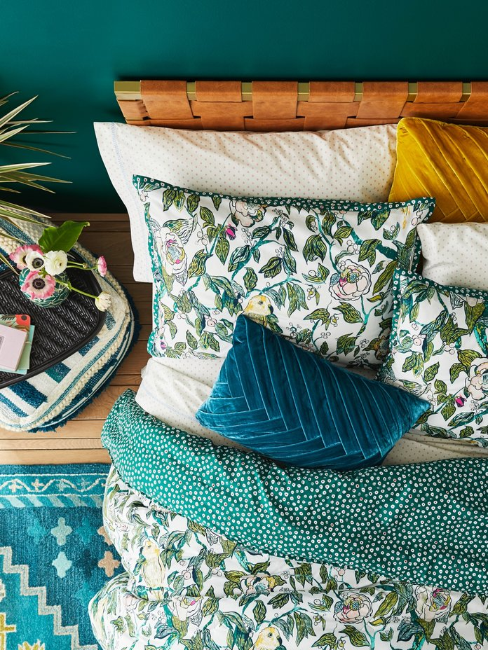 <p>Give your room a spring makeover</p>