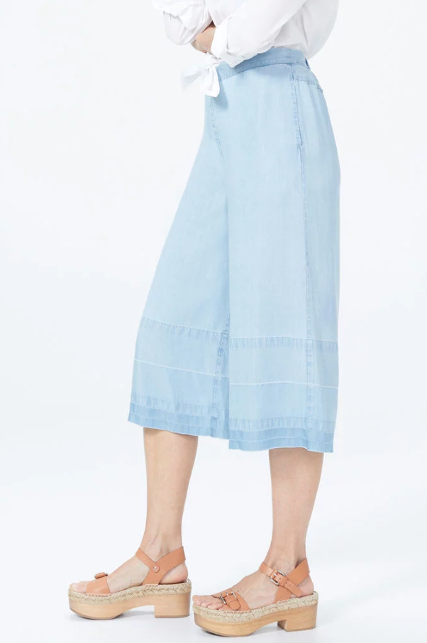 Culotte Denim Pants With Wide Released Hem