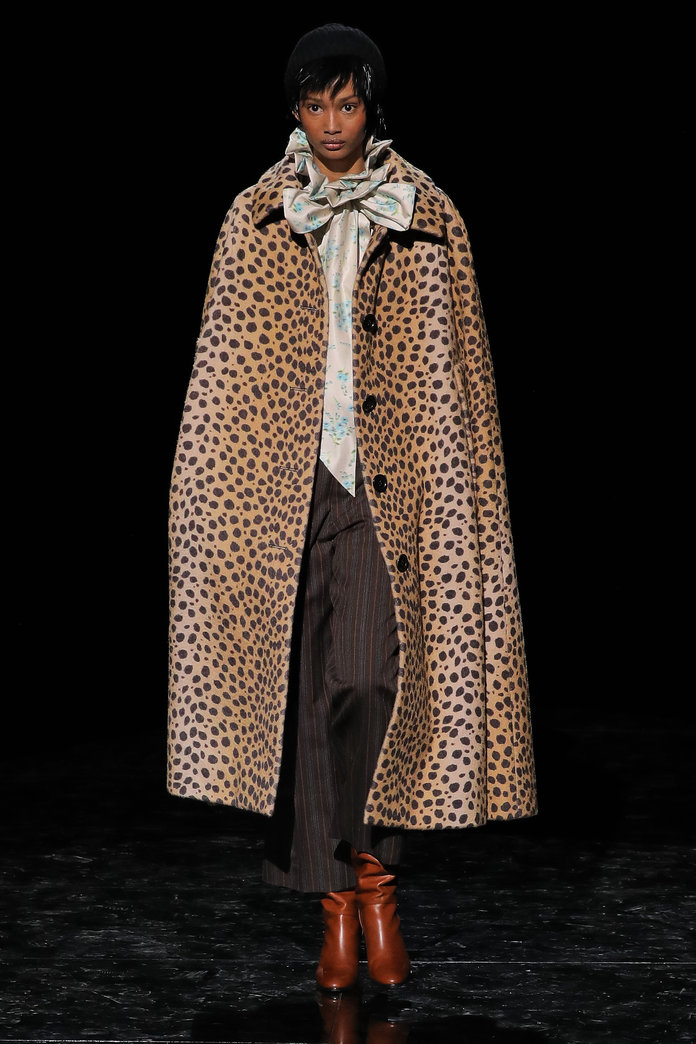 Cape Trend 2019 - Marc Jacobs