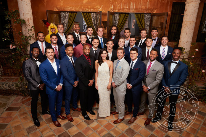 The Bachelorette: See Becca Kufrin Pose with Her Suitors for the First Time!