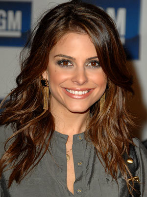 Maria Menounos - Long subtle waves
