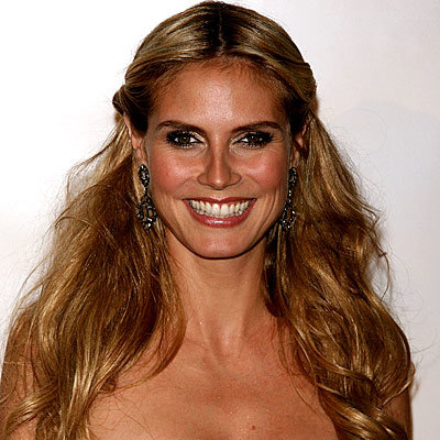 Heidi Klum - Rolled sides with long loose waves