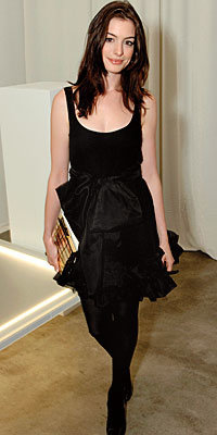 Anne Hathaway, Rachel Zoe, clutch, statement clutch, stylist, celebrity style
