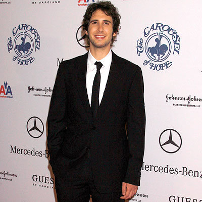 Star Q&A - Josh Groban - Favorite Holiday Tradition
