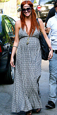 Ashlee Simpson - 8 Star Maternity Style Secrets - Look Your Best