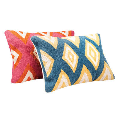 Katehenri Pillows
