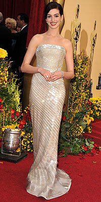 Anne Hathaway in Armani Prive and Cartier diamonds, 2009 Oscars, Academy Awards, Red Carpet Arrivals