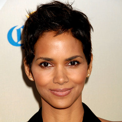 Halle Brings Back the Pixie