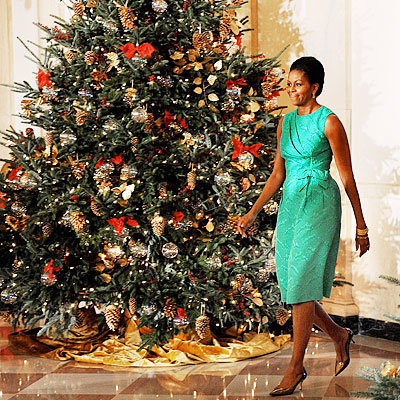 The Obamas Recycle Ornaments!