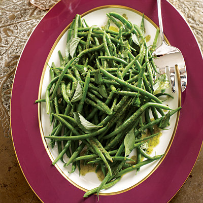 Christina Hendricks's Green Beans with Basil-Garlic Dressing