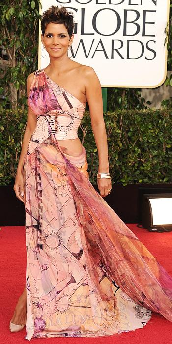 Halle Berry - Versace gown